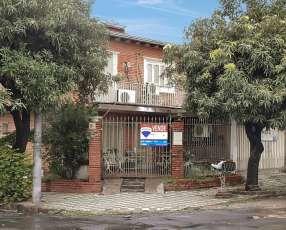 Duplex en Barrio Jara a refaccionar