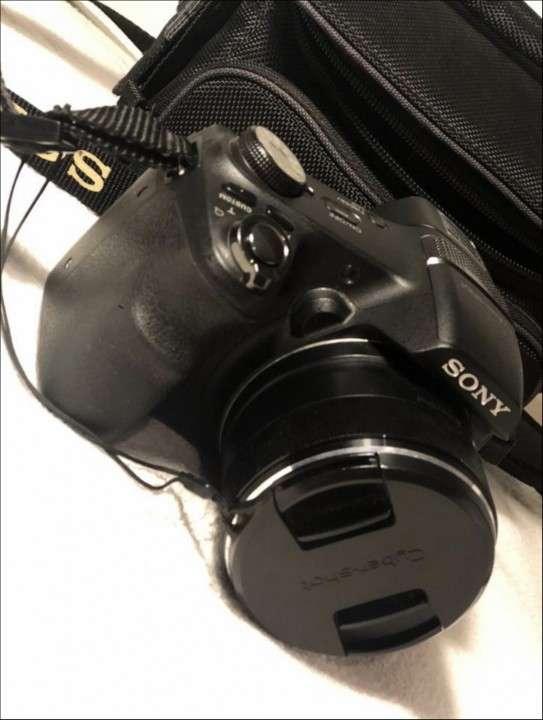 Cámara Sony Cyber-Shot - 0