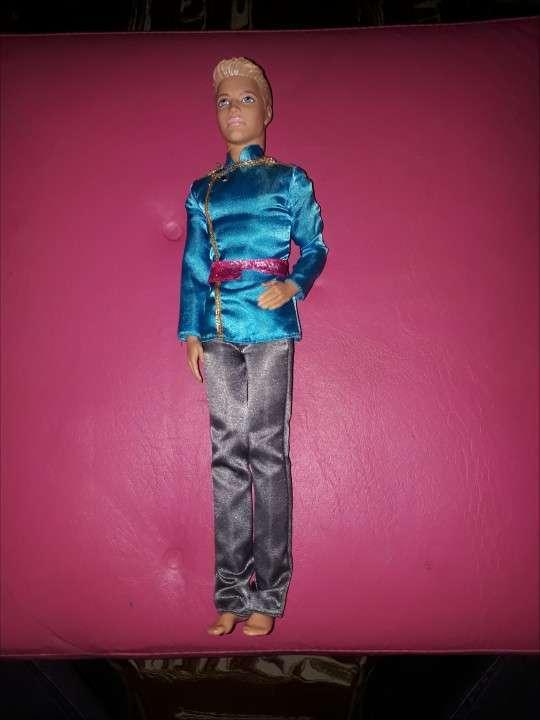 Muñeca Barbie Mariposa Original y Muñeco Rey Ken Original - 1