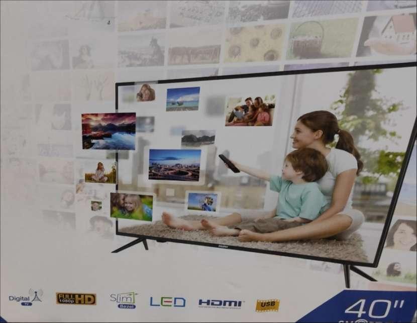 TV de 40 pulgadas FHD Smart nueva - 0