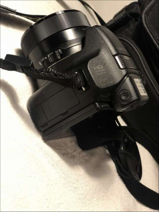 Cámara Sony Cyber-Shot - 2