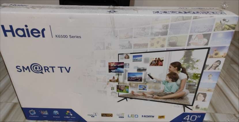 TV de 40 pulgadas FHD Smart nueva - 2