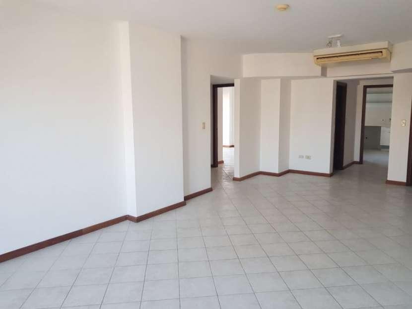 Departamento en edificio Karimi - 1