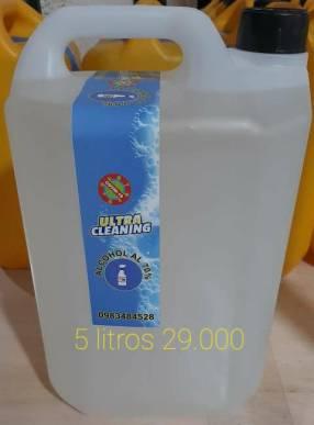 Bidones de 5 litros de alcohol rectificado al 70%