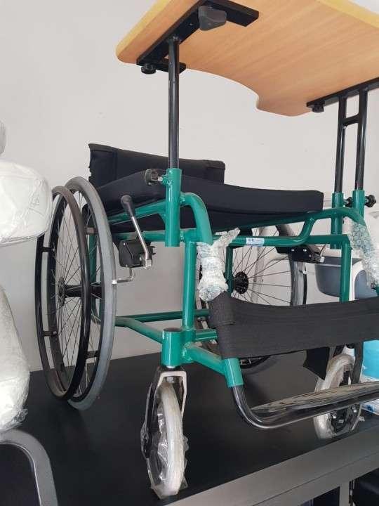 Silla de ruedas deportiva - 1