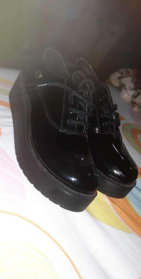 Calzado calce 35 - 0