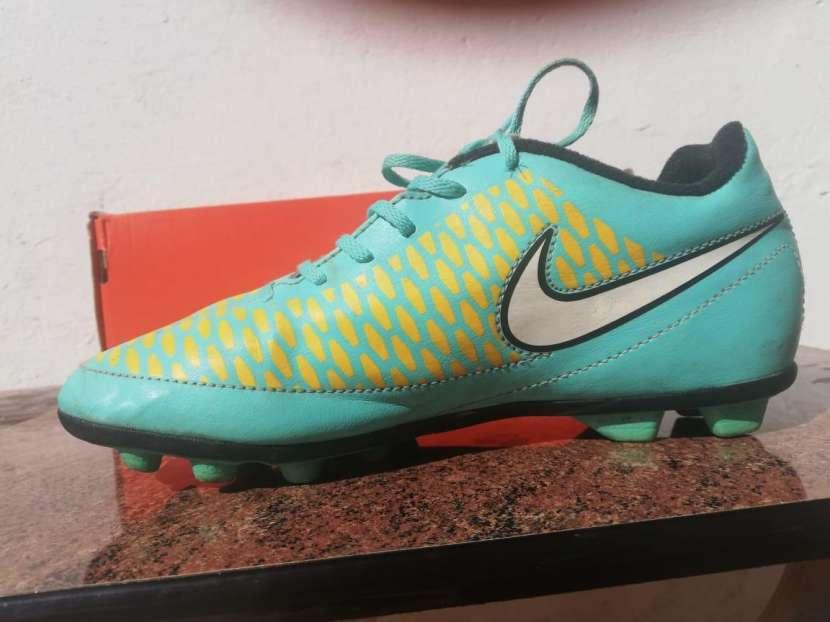 Botín Nike Magista calce 35,5 - 2