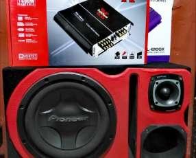 Caja acústica con amplificador 1600 Watts