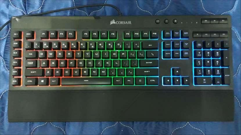 Teclado gamer Corsair K55 RGB - 3