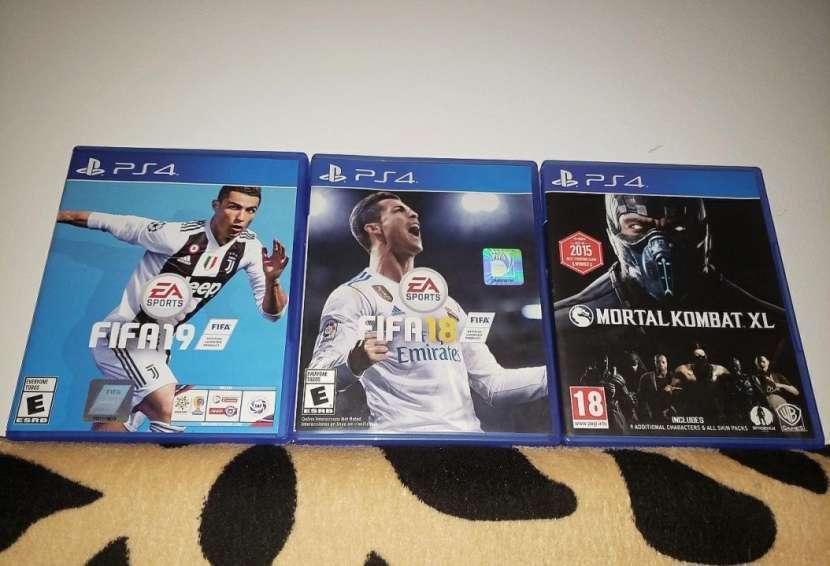 Juegos PS4 3x1 - 0