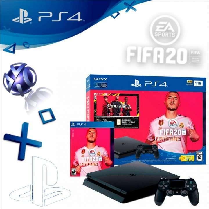 PlayStation 4 - 2