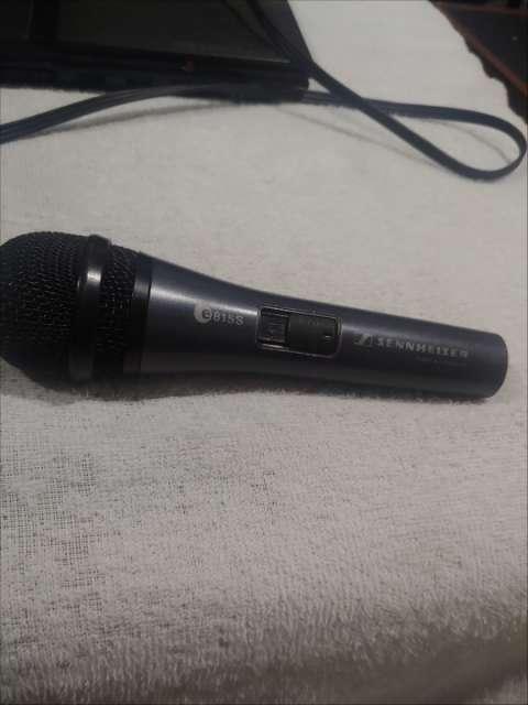 Microfono profesional y Pedestal