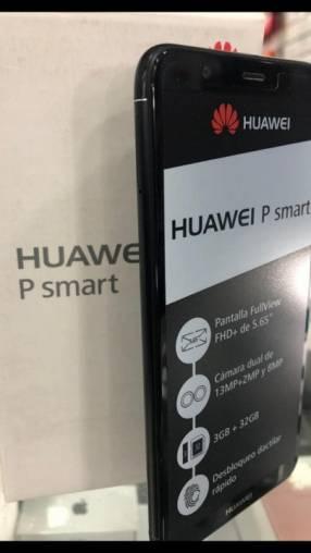 Huawei P Smart con auricular inalámbrico