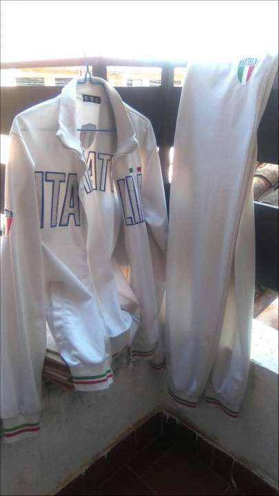 Buzo deportivo Italia con cierre - 0