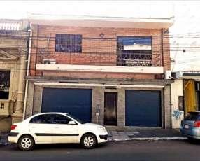 Casa con salones en centro de Asunción