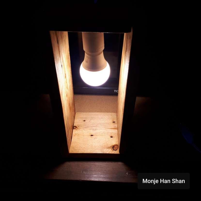 Lámpara de mesa - 0