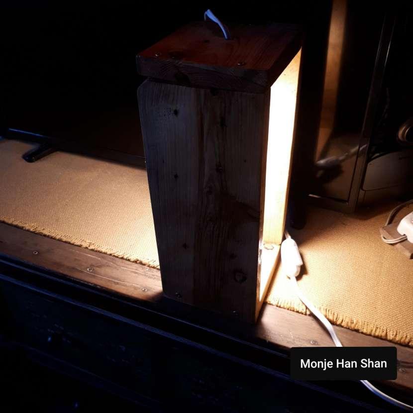 Lámpara de mesa - 1