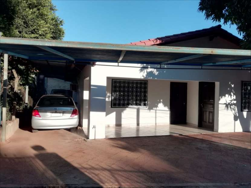 OFERTA...!!! Casa en el centro de Ñemby - 1