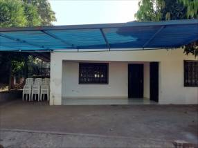 Casa en el centro de Ñemby