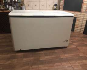 Congelador de 420 litros