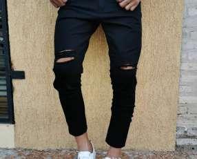 Pantalón Rasgado