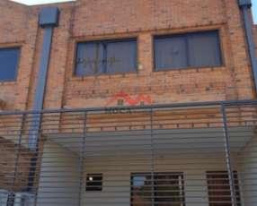 Dúplex en Asunción Barrio Mburucuyá MOC-0012
