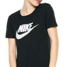 Remera Nike negra para dama talle S