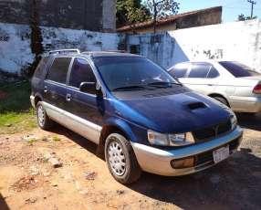 Mitsubishi chariot 1996