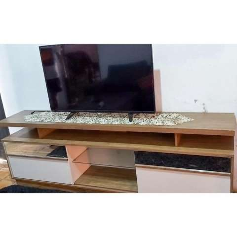 Smart TV AOC de 40 pulgadas con Rack para TV