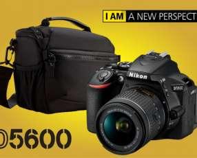 Cámara Nikon D5600 Kit 18-55mm + Bolso