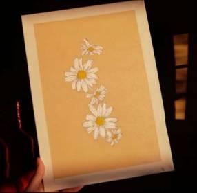 Pinturas en lienzo, bordados en lienzo, músicas en vidrios