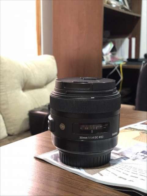 Sigma 30mm Canon