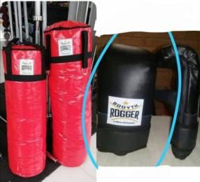 Bolsa de boxeo y guante de cuerina