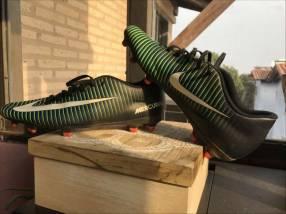 Botin Nike mercurial original semi nuevo calce 42.5 EUR