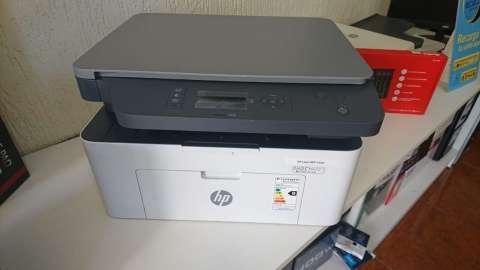 Impresora HP láser MFP 135W