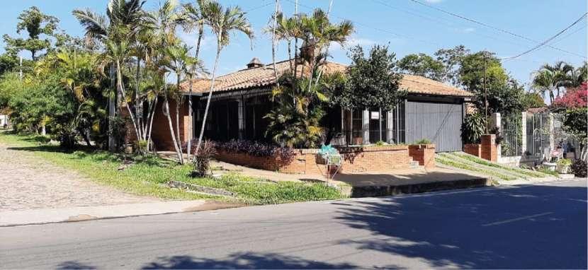 Casa en Cuarto barrio Luque - 0