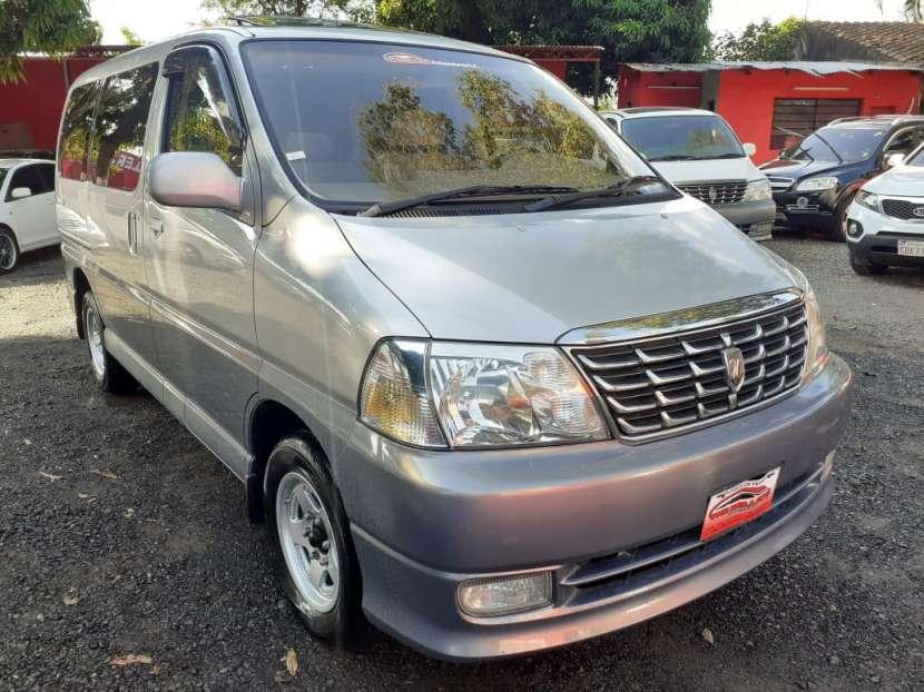 Toyota Grand Hiace 2000 - 1