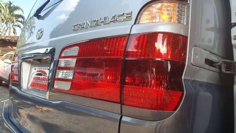 Toyota Grand Hiace 2000 - 8
