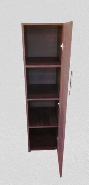 Estante multiuso con puerta más 1 par de mesas de luz