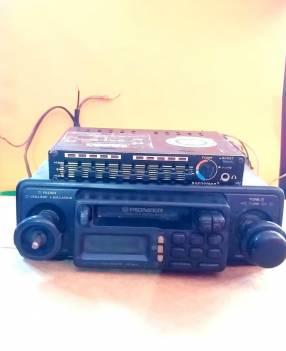 Radio cassettero Pioneer y ecualizador