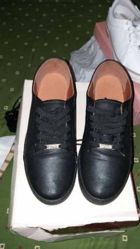 Calzado Vizzano y Modare calce 37