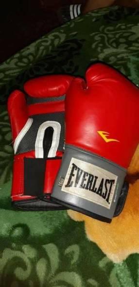 Guante de boxeo Everlast