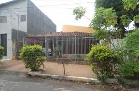 Casa zona Bruno Guggiari y Fernando de la Mora