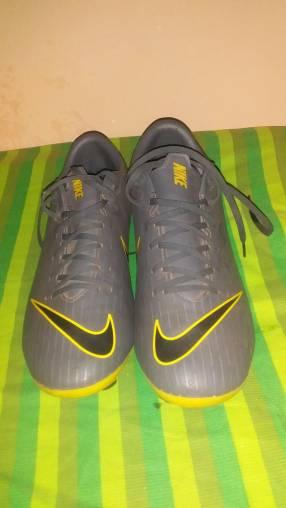 Botín Nike calce 38/39