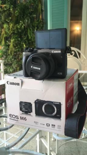 Camara Canon EOS M6