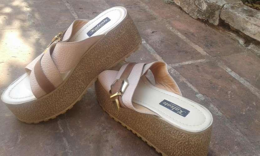 Zapato para dama calce 39 - 0
