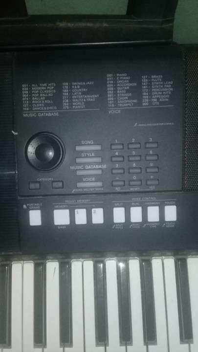 Teclado Yamaha PSR-E423 - 0