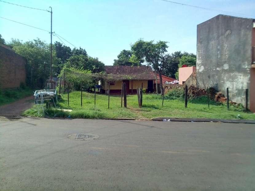 Terreno 448 m2 en barrio Universal de Encarnación - 1