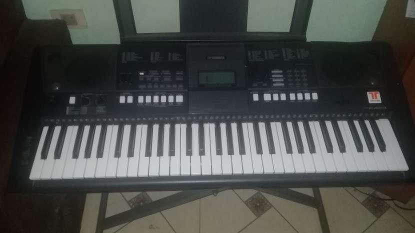 Teclado Yamaha PSR-E423 - 4