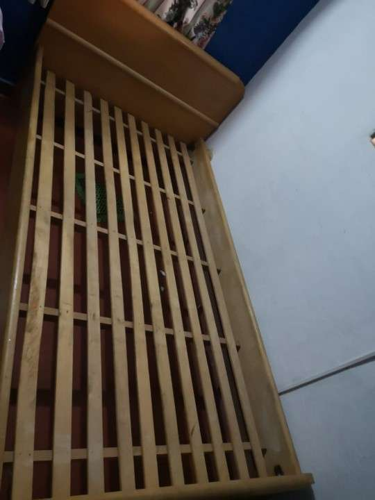 Cama de madera maciza de 1 plaza - 1
